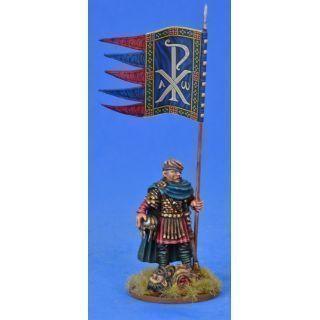 Briton Warbanner Bearer