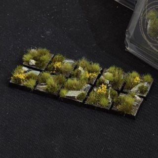 Highland Bases Square 20mm (x10)